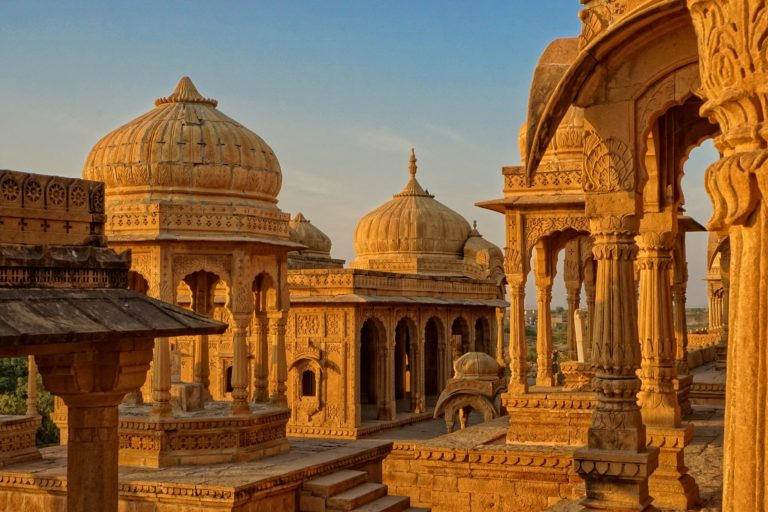 India – Travel Guide, Sightseeing & Insider Tips